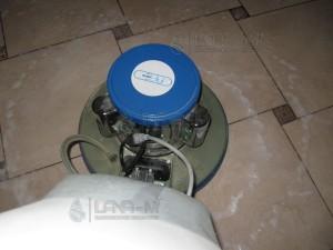 IMG 4037 300x225 - Чистка напольной плитки после ремонта